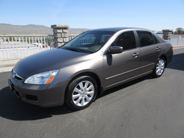 Pre-Owned 2007 Honda Accord EX-L V-6